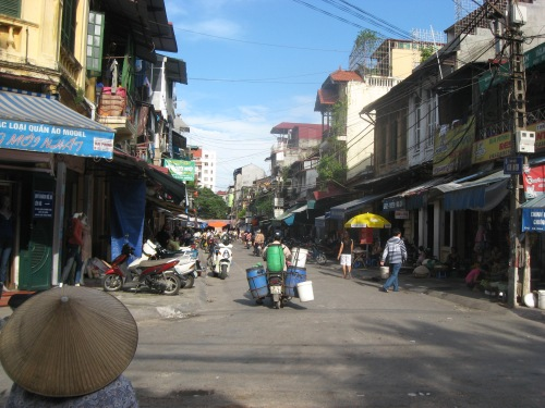 Hanoi Street - nothing to do with the post, but I like it.